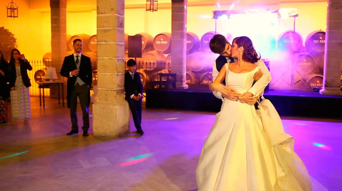 baile-de-boda-en-bodega-apostoles