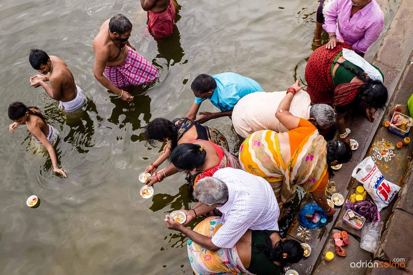 Rituales a orillas del Ganges. Varanassi